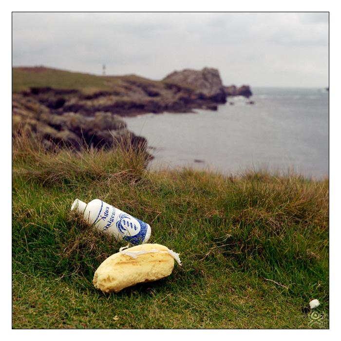 La mer ramène toujours le plastique égaré